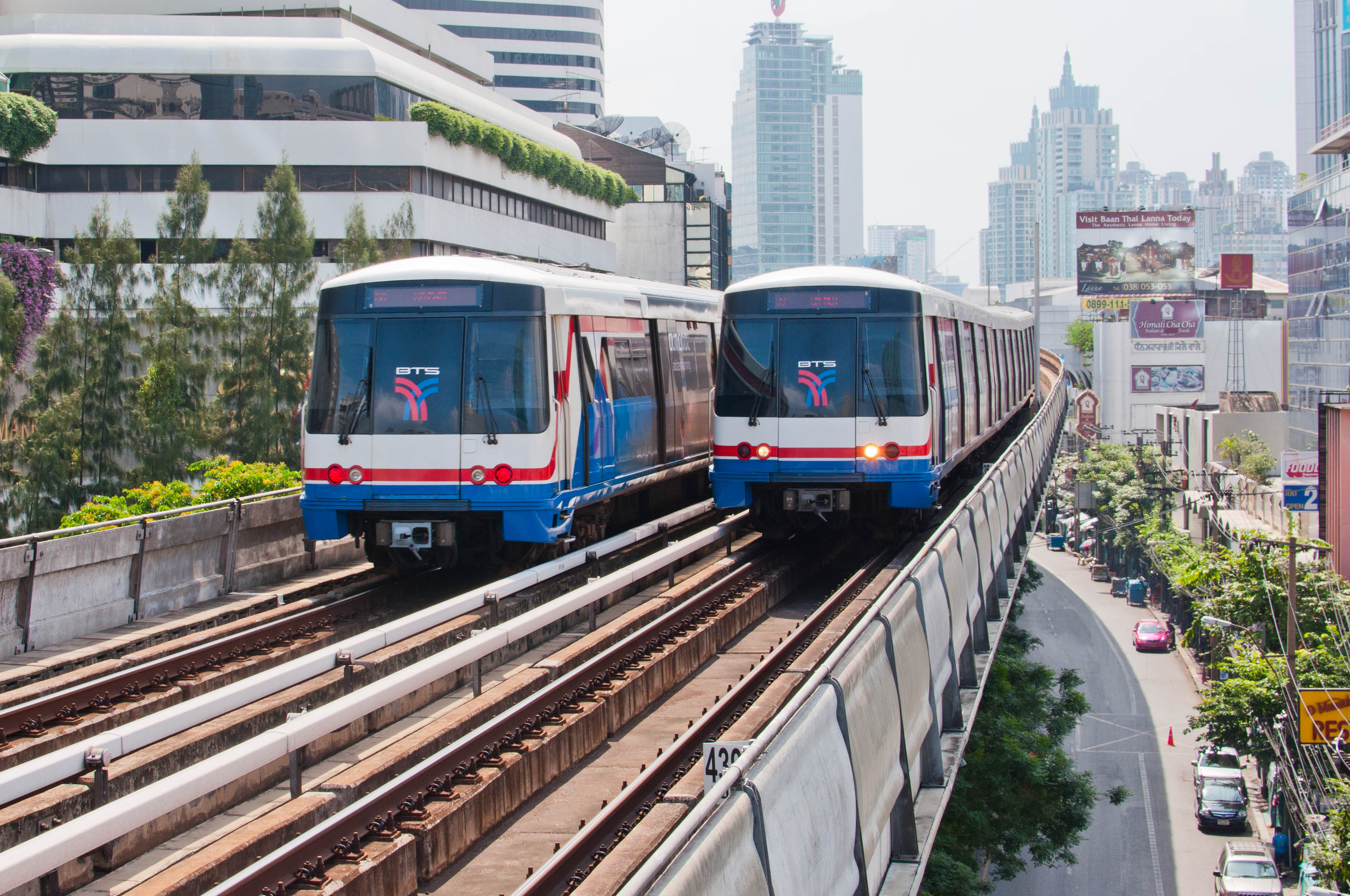 Getting Around Bangkok – BTS Skytrain for Newbies