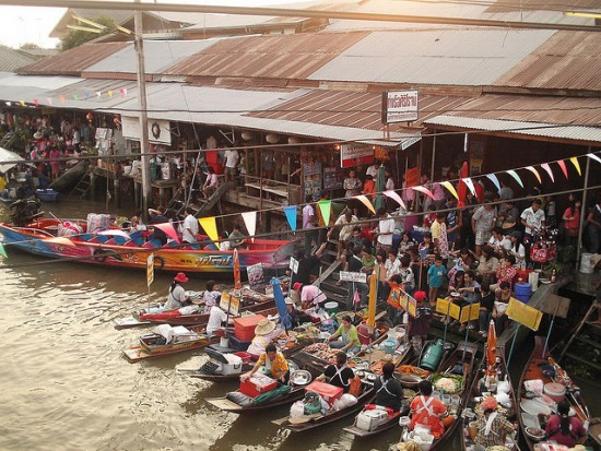 Image of Amphawa Floating Market - a Bangkok Market on water