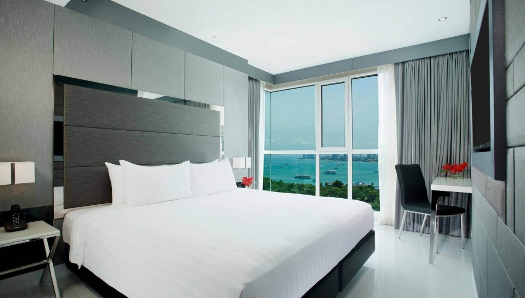 One Bedroom Corner Suites Ocean Facing