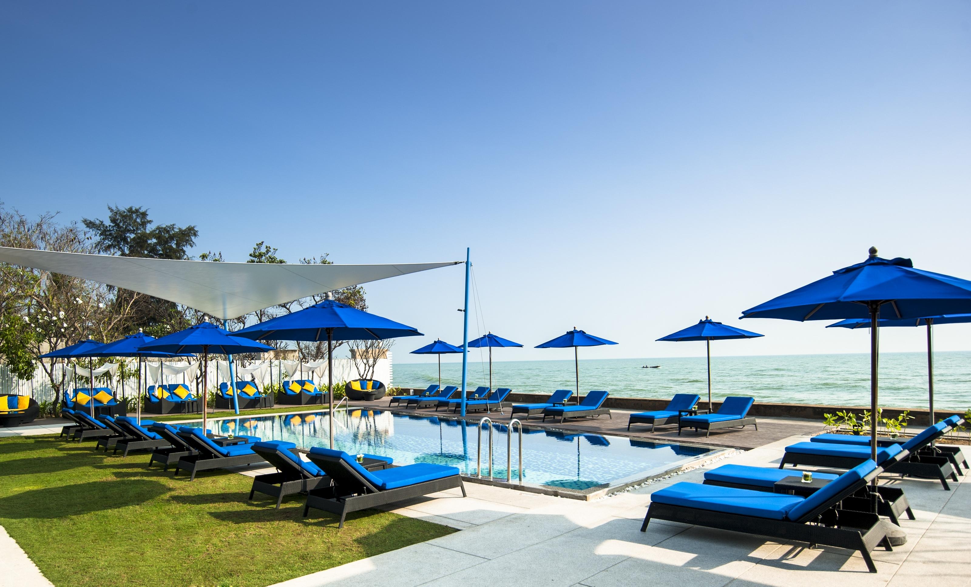 shoreline-beach-club-outdoor-day_1