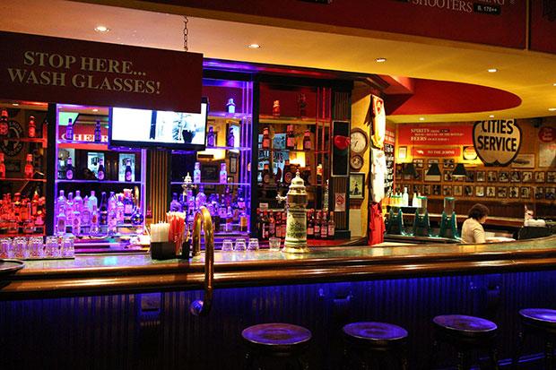 henry-j-bean-s-bar-and-grill%e2%80%8f-restaurant