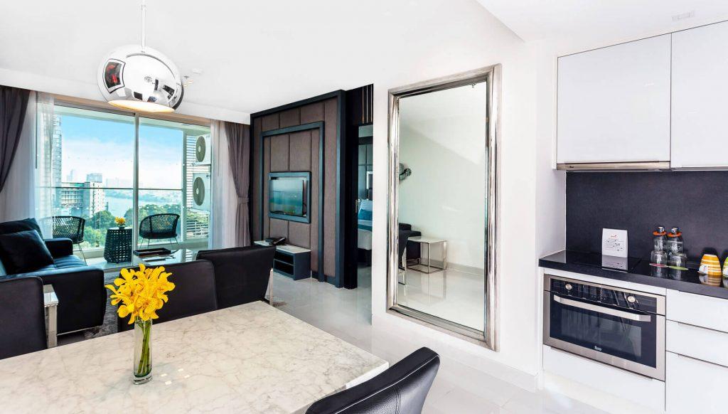 One Bedroom Corner Suite Ocean Facing