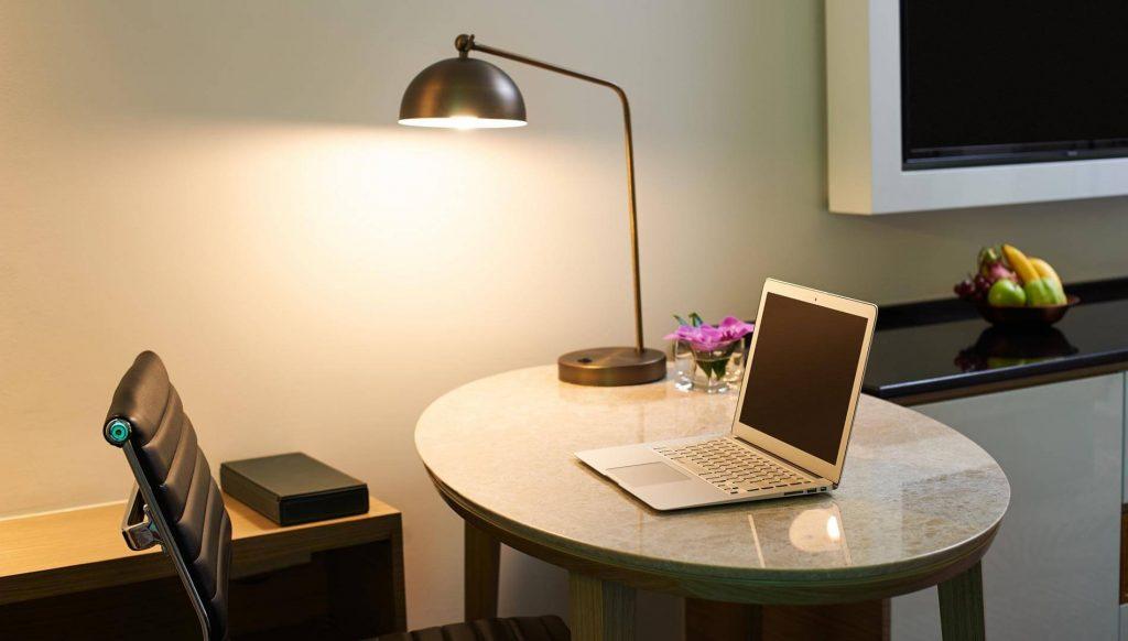 superior-work-desk