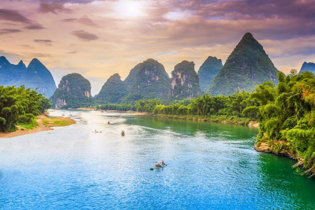 แม่น้ำมังกรหยก (Yulong River)