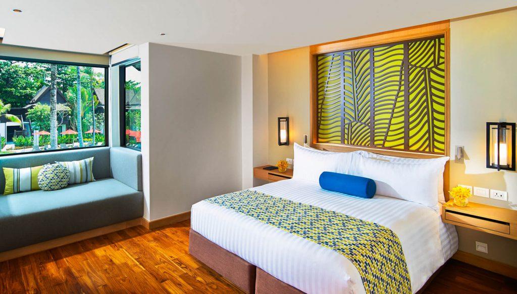 two-bedroom-family-suite-pool-view-thai-village-main-bedroom